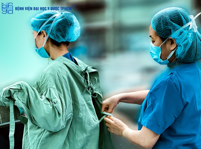 Rung động những bức ảnh y bác sĩ bệnh viện mùa COVID-19 tự chụp cho nhau  ảnh 3