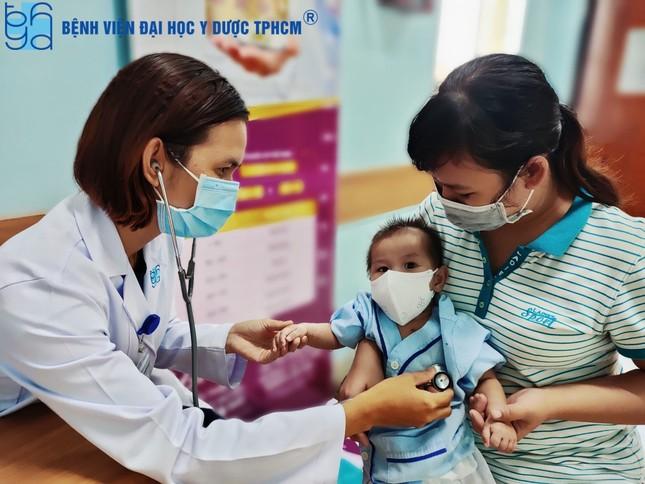 Rung động những bức ảnh y bác sĩ bệnh viện mùa COVID-19 tự chụp cho nhau  ảnh 6