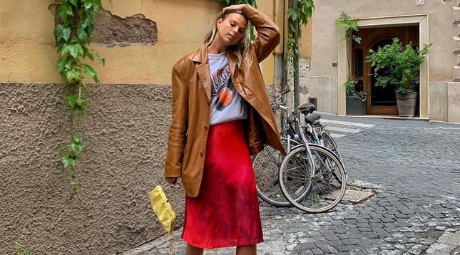 """Đây là chiếc váy """"trendy"""" mà cực kỳ dễ mặc, hầu như bạn chỉ xỏ vào đã đẹp! ảnh 5"""