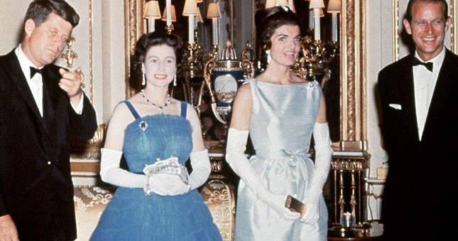 Jackie Kennedy - Biểu tượng thời trang nước Mỹ nhưng không ngại mặc hàng nhái ảnh 11