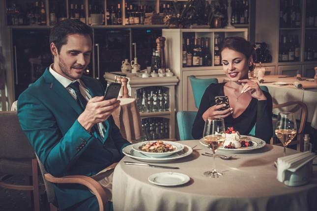Buổi hẹn hò đầu tiên chỉ nên kéo dài 57 phút, tại sao không phải là 2 tiếng hay hơn nhỉ? ảnh 1
