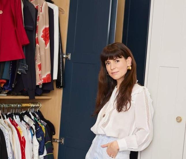 Giới thời trang sắp xếp tủ quần áo siêu hạng của họ thế nào để tiết kiệm thời gian nhất? ảnh 4