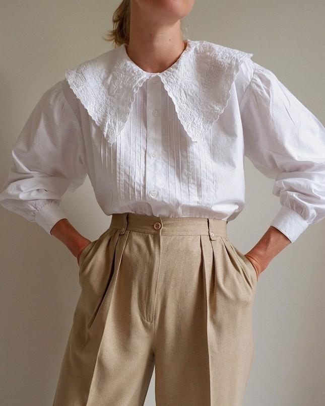 Xu hướng cổ áo bản lớn dự đoán sẽ lên ngôi mùa Xuân - Hè này, mặc nó thế nào để đẹp nhất? ảnh 5
