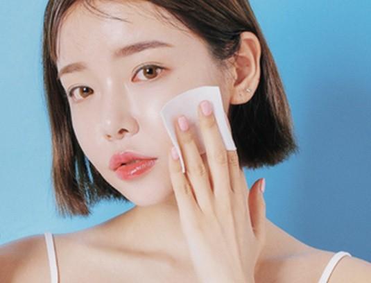 Sản phẩm tẩy trang được yêu thích này lại đem tới hậu quả khôn lường cho da và môi trường ảnh 2