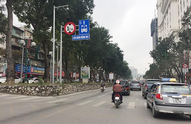 Ngán ngẩm kiểu tham gia giao thông 'phớt lờ' biển cấm ảnh 4