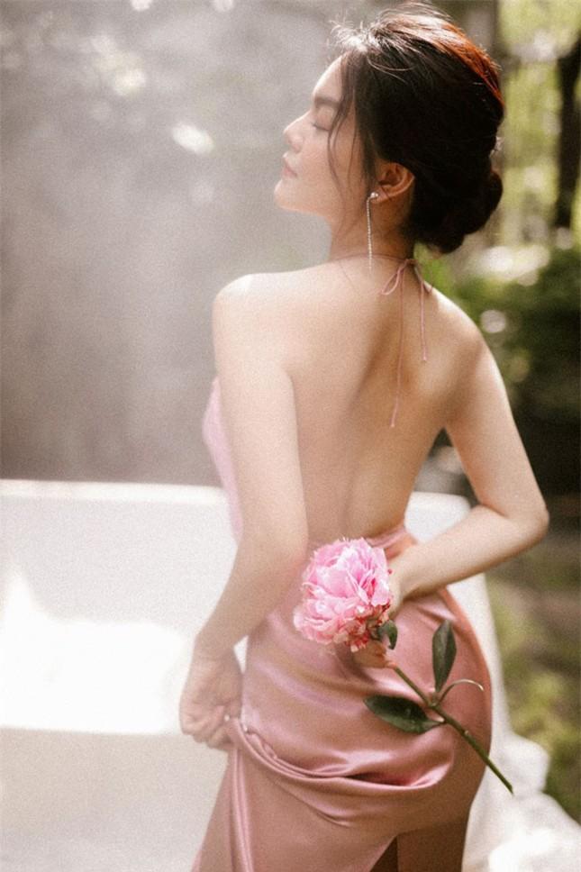 Lột xác sau ly hôn, Phạm Quỳnh Anh tung ảnh khoe vòng 1 nóng bỏng ảnh 5