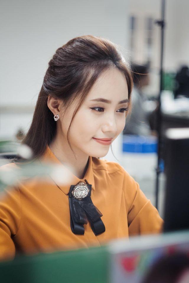 Xuân Anh: Từ Á khôi sinh viên đến MC thời tiết tài năng, xinh đẹp ảnh 10