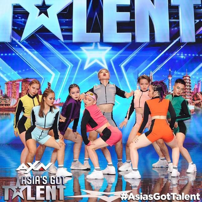 Nhóm nhảy Việt được Dua Lipa hết lời khen ngợi từng gây 'bão' sân khấu Asia's Got Talent ảnh 3