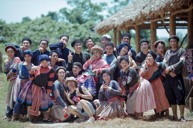 Nhóm nhảy Việt được Dua Lipa hết lời khen ngợi từng gây 'bão' sân khấu Asia's Got Talent ảnh 4
