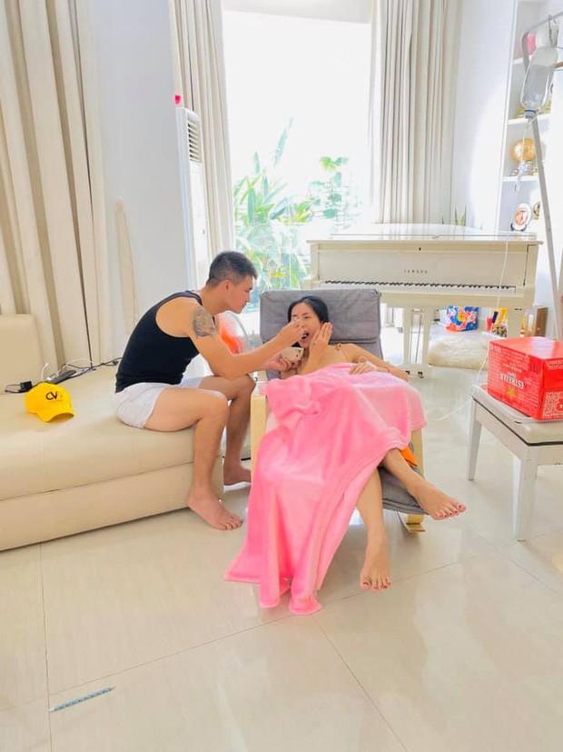 Bà xã Công Vinh chia sẻ bí quyết giữ hạnh phúc: 'Chồng hãy nên sợ vợ' ảnh 3