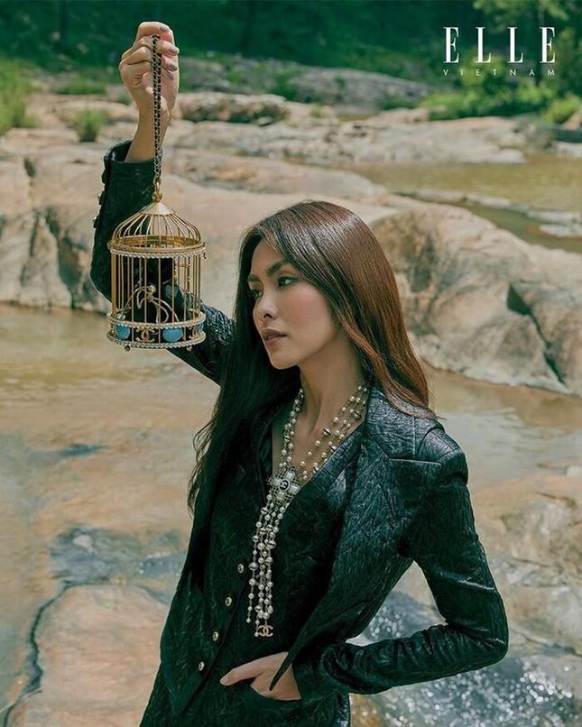 Tăng Thanh Hà khoe thần thái đỉnh cao trên tạp chí Elle ảnh 7