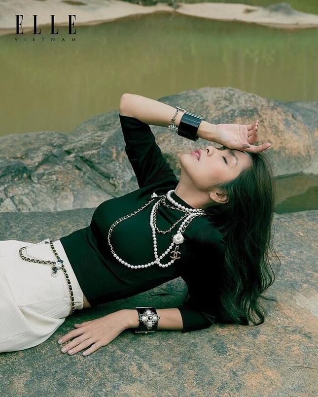 Tăng Thanh Hà khoe thần thái đỉnh cao trên tạp chí Elle ảnh 5