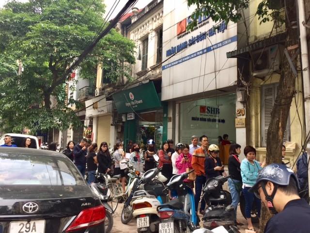 Đường phố Hà Nội ngập tràn không khí Tết Hàn thực ảnh 2