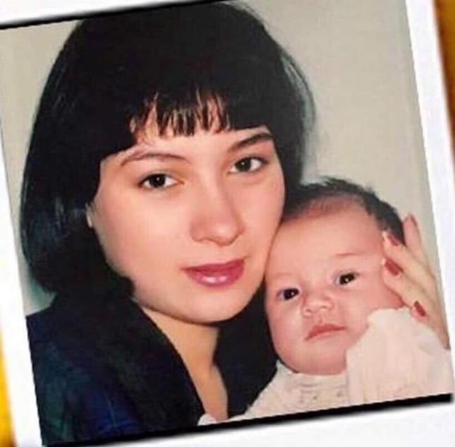 Lộ ảnh con gái ruột Wendy của Phi Nhung hồi nhỏ ảnh 1