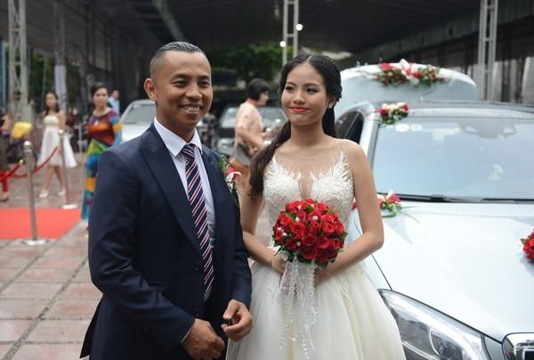 Chí Anh đi xe hơn 7 tỷ đồng đón dâu ảnh 4