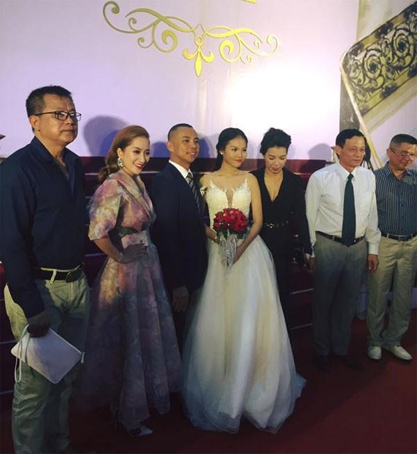 Khánh Thi đến mừng đám cưới người yêu cũ Chí Anh ảnh 7