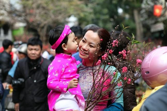 Chiều cuối năm trên chợ hoa phố cổ Hàng Lược ảnh 14