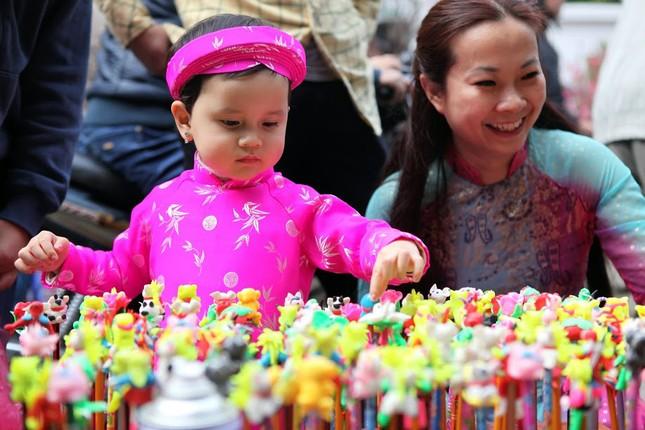 Chiều cuối năm trên chợ hoa phố cổ Hàng Lược ảnh 15