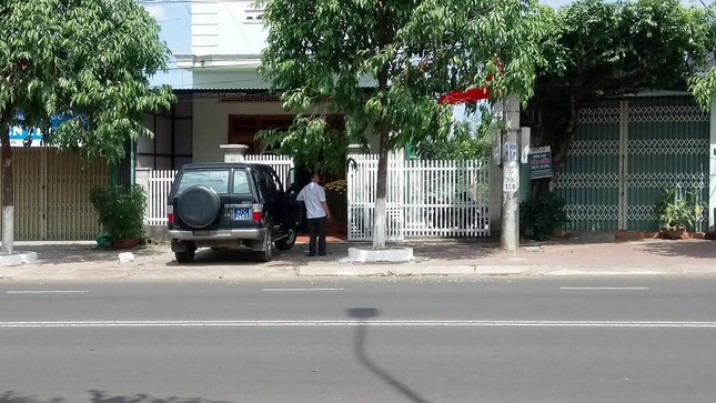Đắk Lắk: Mùng 4, dùng xe công đi chúc Tết ảnh 2