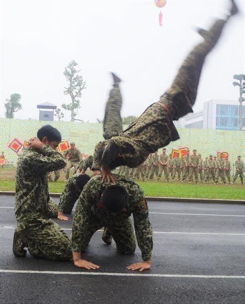 Những tuyệt kỹ võ thuật của đặc công Việt Nam ảnh 9