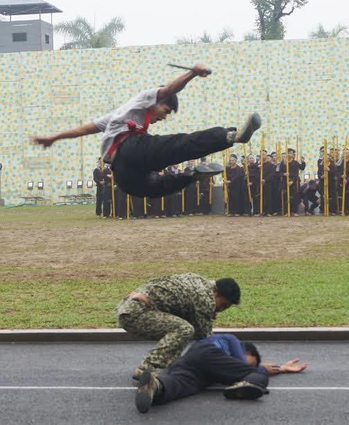 Những tuyệt kỹ võ thuật của đặc công Việt Nam ảnh 11