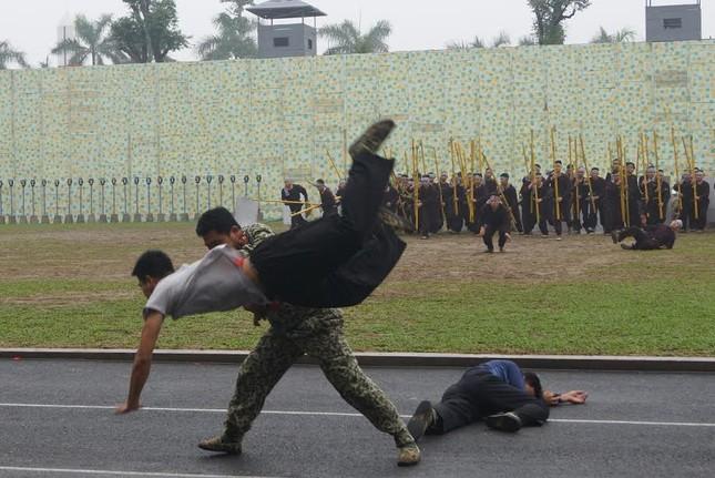 Những tuyệt kỹ võ thuật của đặc công Việt Nam ảnh 12