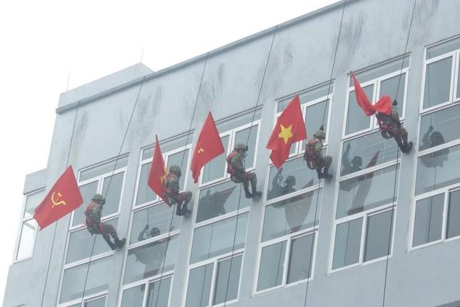 Những tuyệt kỹ võ thuật của đặc công Việt Nam ảnh 13
