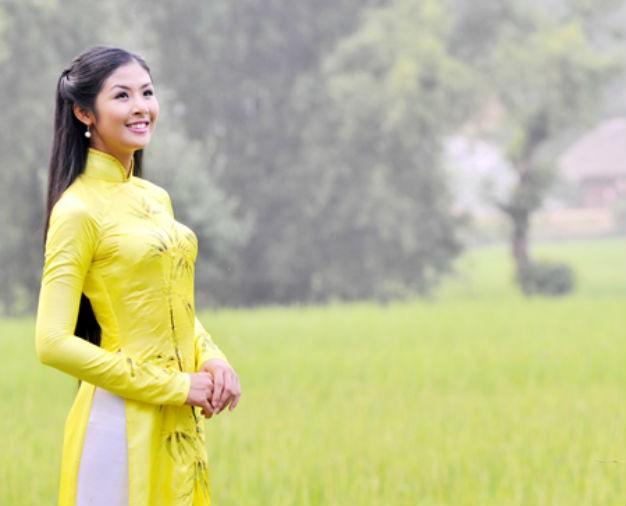 Những hoa hậu, á hậu bén duyên với VTV ảnh 5