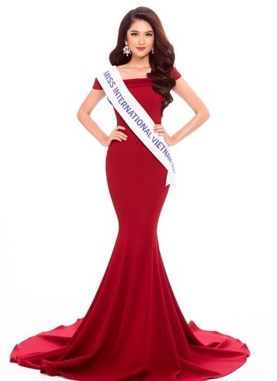 Nhan sắc Á hậu Thùy Dung trước khi dự thi Hoa hậu quốc tế 2017 ảnh 1