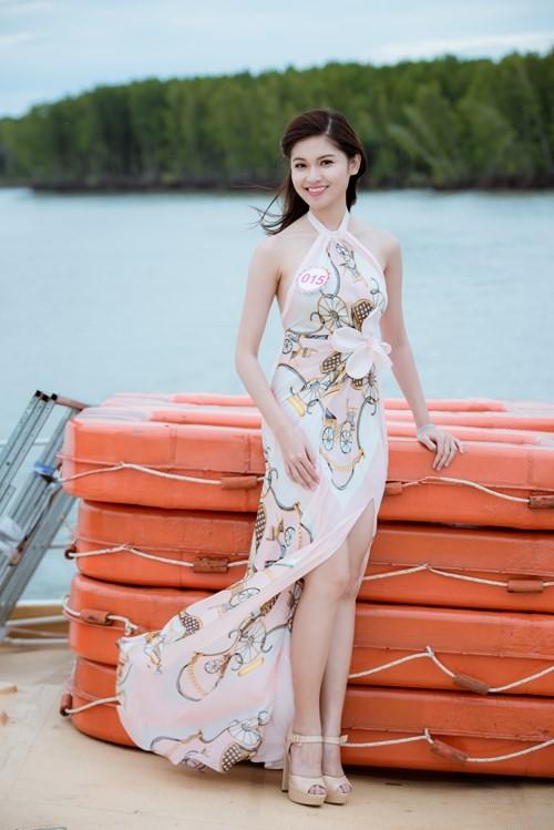 Nhan sắc Á hậu Thùy Dung trước khi dự thi Hoa hậu quốc tế 2017 ảnh 9