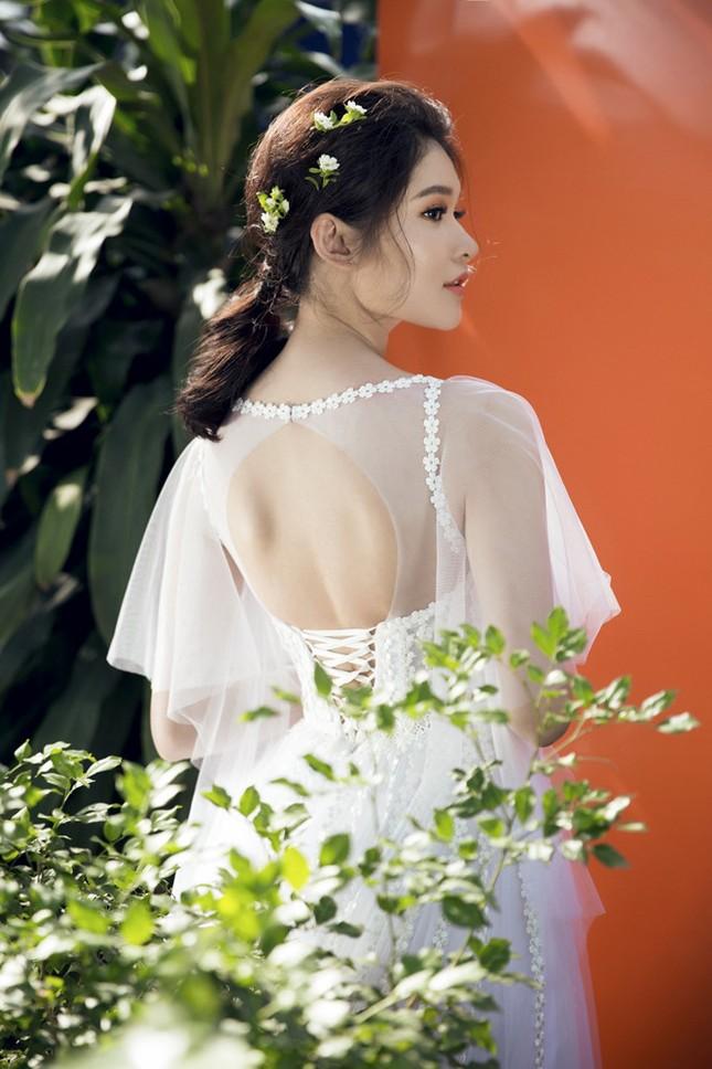 Nhan sắc Á hậu Thùy Dung trước khi dự thi Hoa hậu quốc tế 2017 ảnh 11