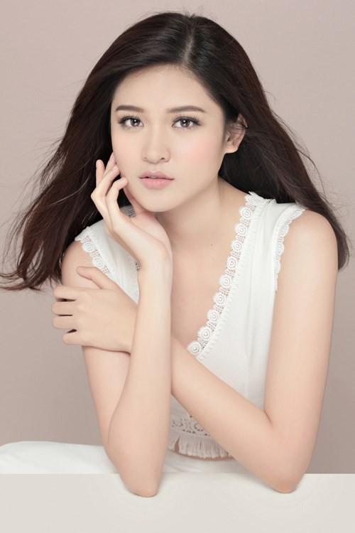 Nhan sắc Á hậu Thùy Dung trước khi dự thi Hoa hậu quốc tế 2017 ảnh 2