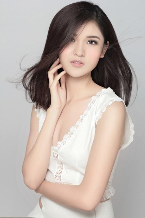 Nhan sắc Á hậu Thùy Dung trước khi dự thi Hoa hậu quốc tế 2017 ảnh 3