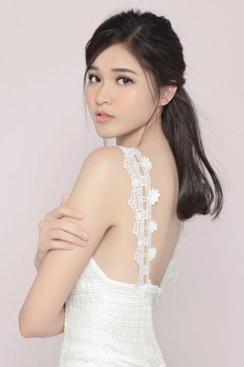 Nhan sắc Á hậu Thùy Dung trước khi dự thi Hoa hậu quốc tế 2017 ảnh 4