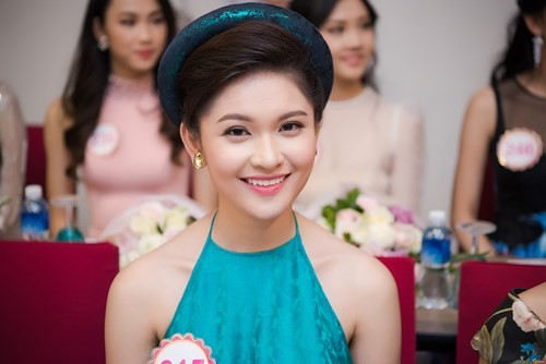Nhan sắc Á hậu Thùy Dung trước khi dự thi Hoa hậu quốc tế 2017 ảnh 6