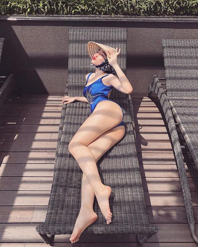 Angela Phương Trinh lại khoe ảnh bikini khiến cư dân mạng 'náo loạn' ảnh 1