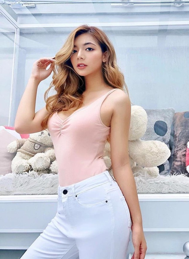 Những hot girl Việt có làn da nâu, diện bikini khoe dáng nóng bỏng ảnh 6