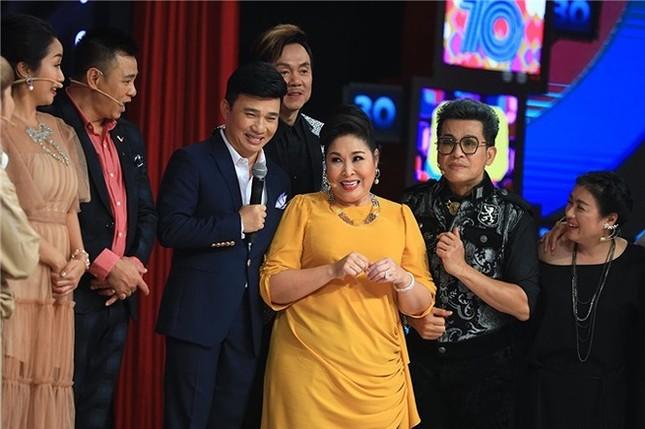 Showbiz 3/9: Vừa nhận danh hiệu NSND, Minh Hằng đã gặp nạn ảnh 1