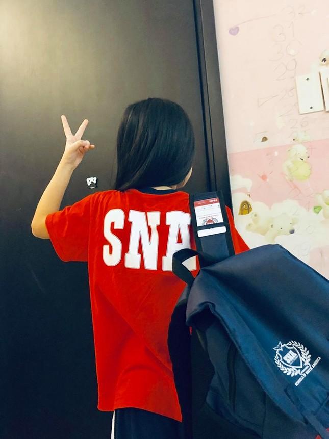 Thủy Tiên kể chuyện con gái vào lớp 1 và tình huống 'dở khóc, dở cười' ảnh 1