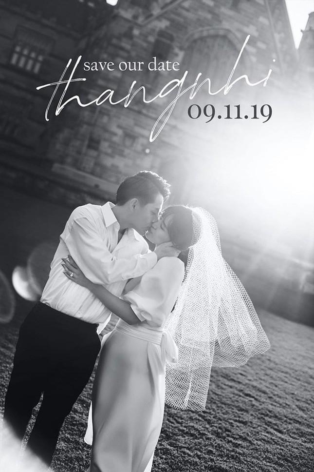 Bật mí về váy cưới của Đông Nhi ảnh 10