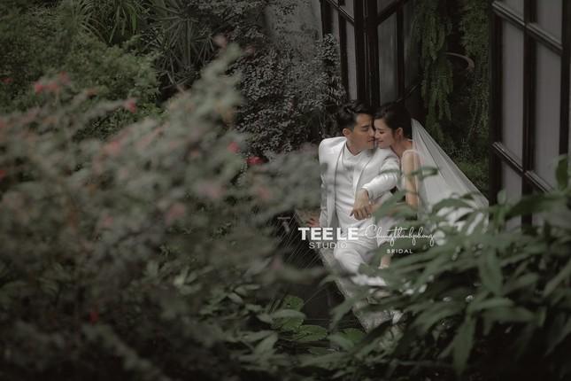 Bật mí về váy cưới của Đông Nhi ảnh 4