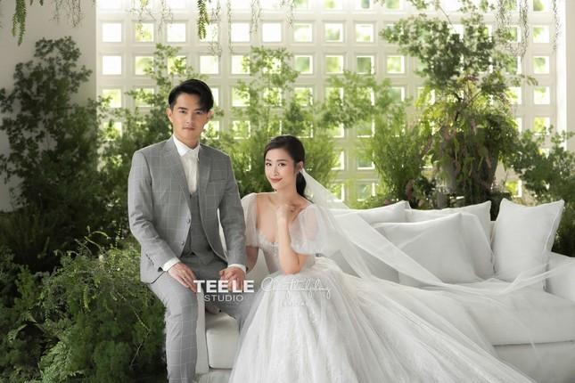 Bật mí về váy cưới của Đông Nhi ảnh 2