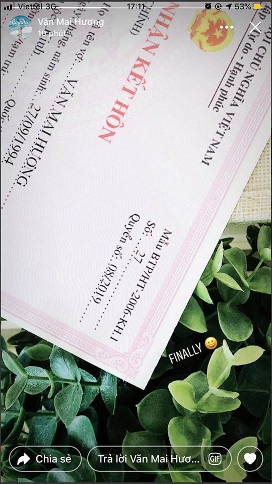 Văn Mai Hương khoe giấy đăng ký kết hôn, chú rể là Bùi Anh Tuấn? ảnh 1