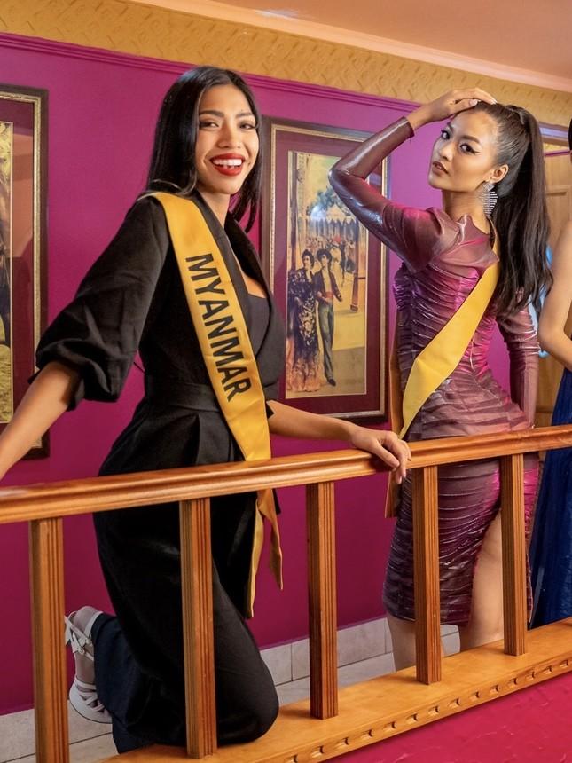 Bất ngờ về mối quan hệ giữa Á hậu Kiều Loan và đại diện Myanmar ảnh 3