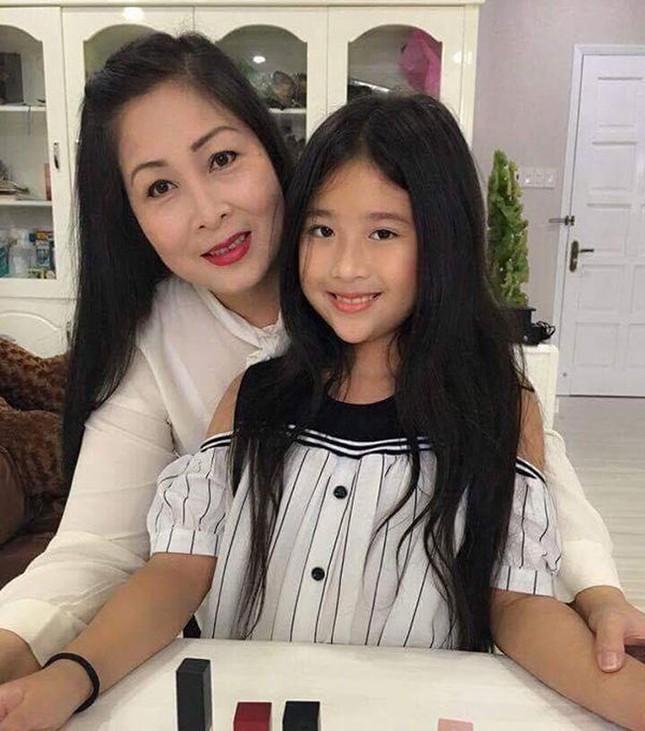 Con gái của NSND Hồng Vân và Lê Tuấn Anh xinh đẹp, có năng khiếu diễn xuất ảnh 4