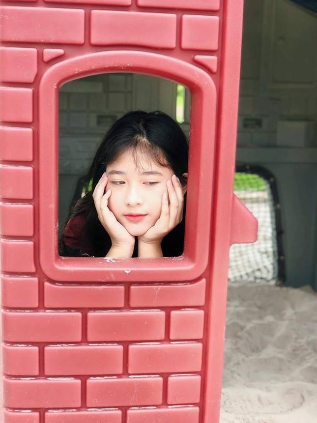 Con gái của NSND Hồng Vân và Lê Tuấn Anh xinh đẹp, có năng khiếu diễn xuất ảnh 7