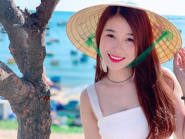 Bạn gái hotgirl của Văn Toàn liên tục tung ảnh bikini khoe 3 vòng 'bỏng mắt' ảnh 1