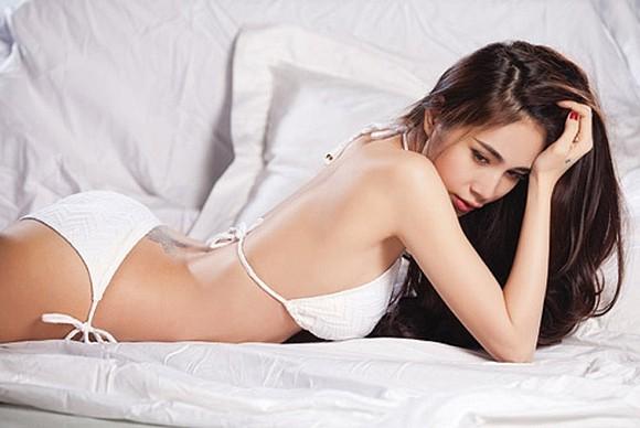Thuỷ Tiên tung ảnh áo tắm 'cực nóng', fan khuyên nên làm mẫu nội y ảnh 6
