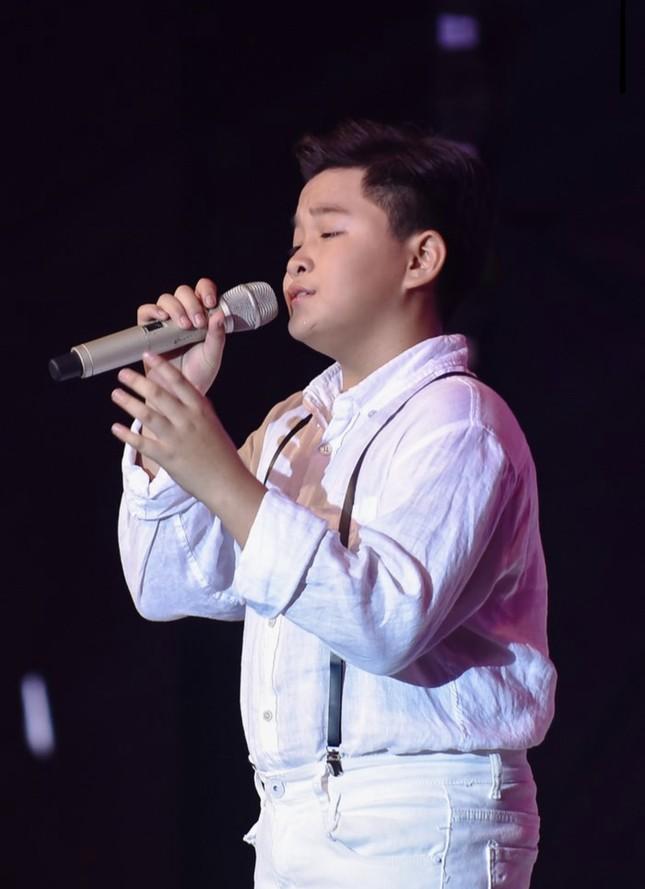 MC Nguyên Khang công bố nhầm tên Quán quân The Voice Kids gây bức xúc ảnh 1