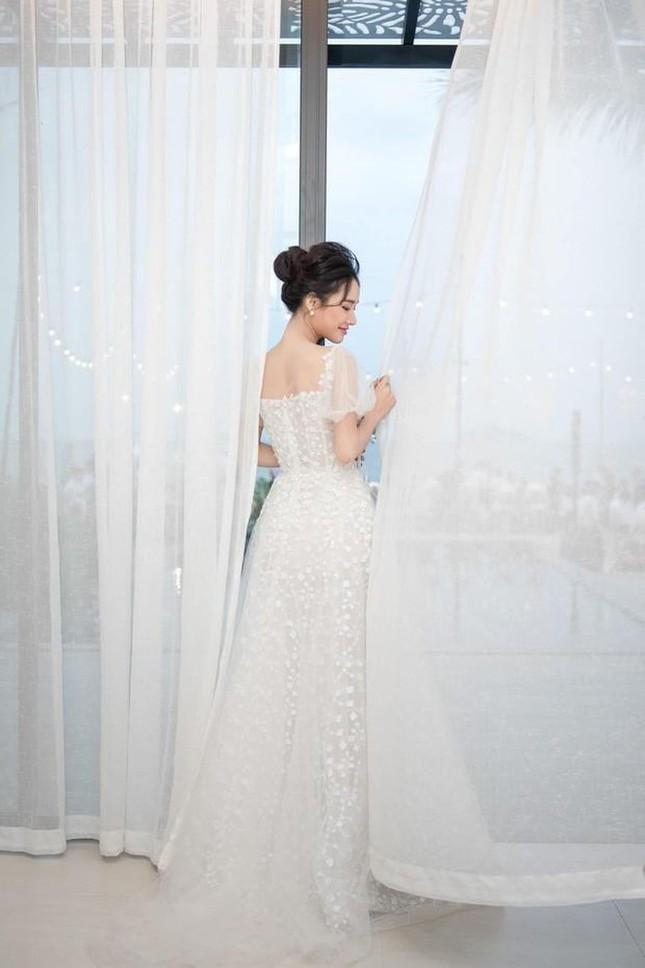 Hé lộ trọn bộ ảnh lễ đính hôn bí mật của Trường Giang- Nhã Phương ảnh 4